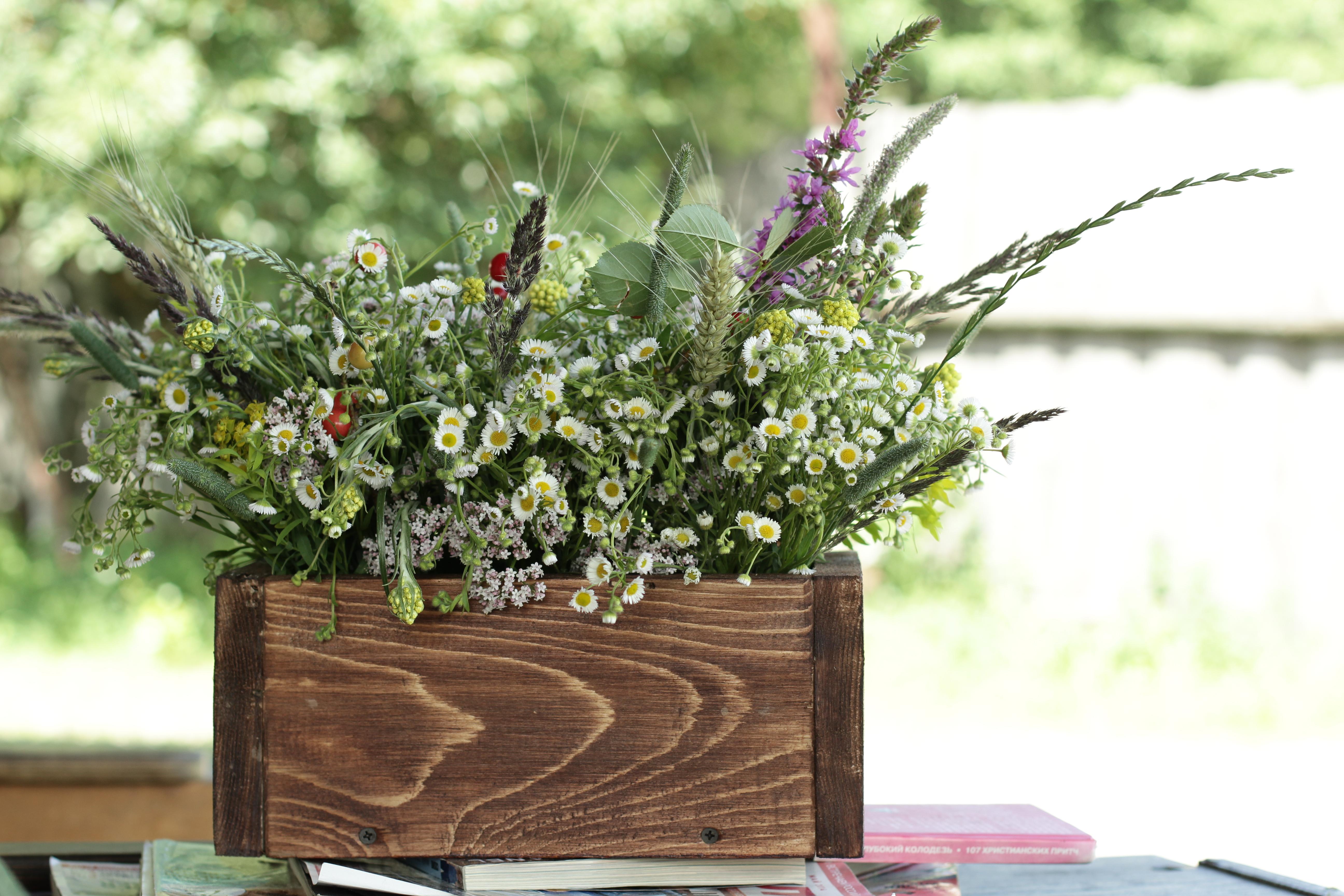 Как сделать деревянный цветок 407